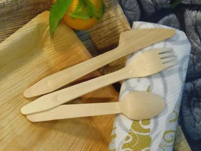 Vaisselle et couverts jetable en bois de bouleau