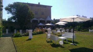 Location mobilier de jardin pour événement à Lyon Locdunum