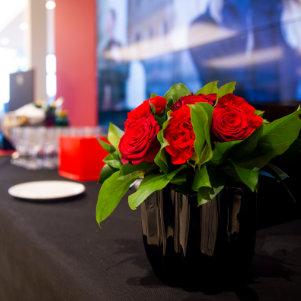 Photo de Décoration florale pour buffet entreprise sur Lyon et dans le Beaujolais