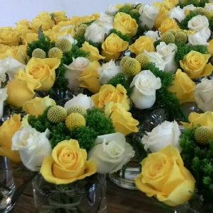 Décoration florale avec centres de table pour mariage sur Lyon et dans le Beaujolais