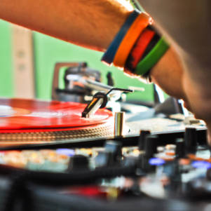 Image de DJ partenaire Loc'dunum à Lyon