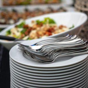 Photo d'Assiettes blanches de service
