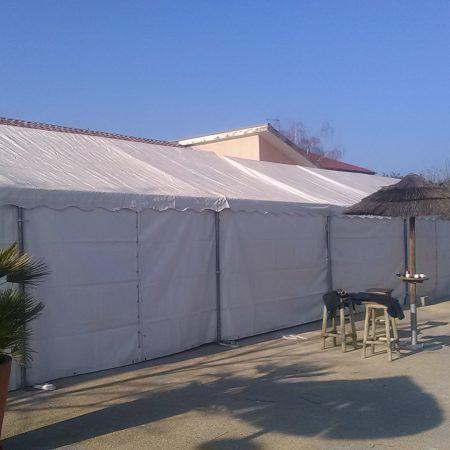 Photo de barnum 6m x 10m en extérieur à louer sur Lyon et le Beaujolais Loc'dunum